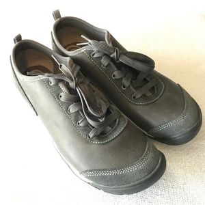 NWOT KEEN Hush Leather CNX, Steely, 10